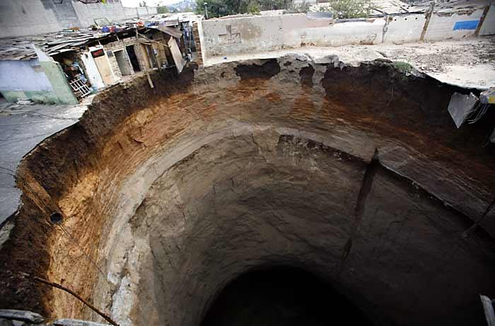 Schon mal von den Sinkholes gehört? Guatemala_hoyo31